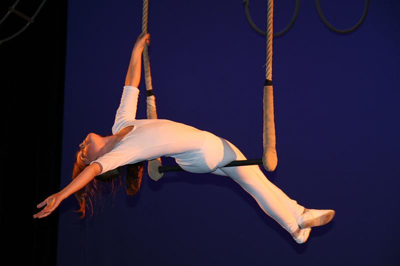 Enfant sur trapeze