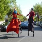 Johanna Rebolledo, Frieda BK et Noliv' - Parade sur échasses avec monocycle