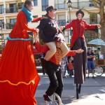 Johanna Rebolledo, Noliv' et Frieda BK - Parade en échasses et monocycle